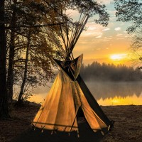 Палатки туристские и кемпинговые